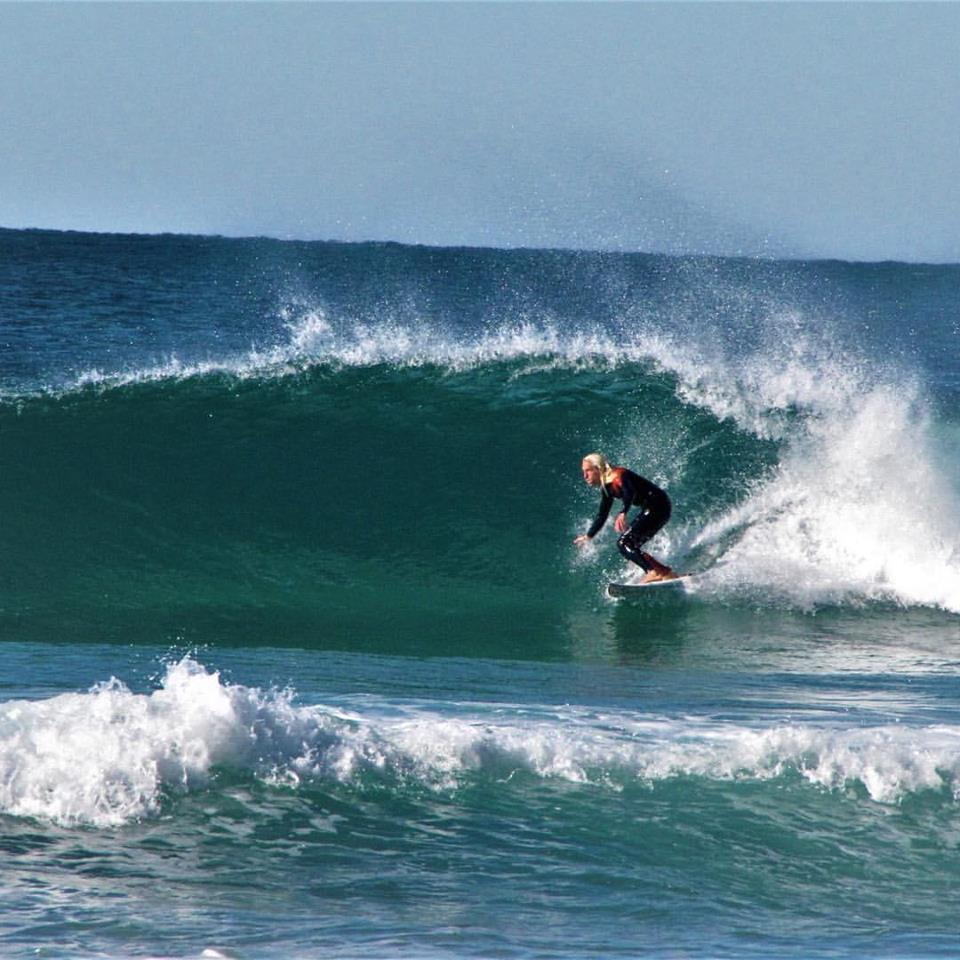 castalejo surf barrel offshore