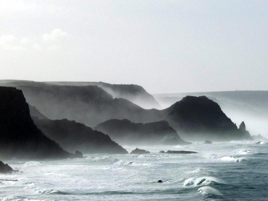 surf amado coast view