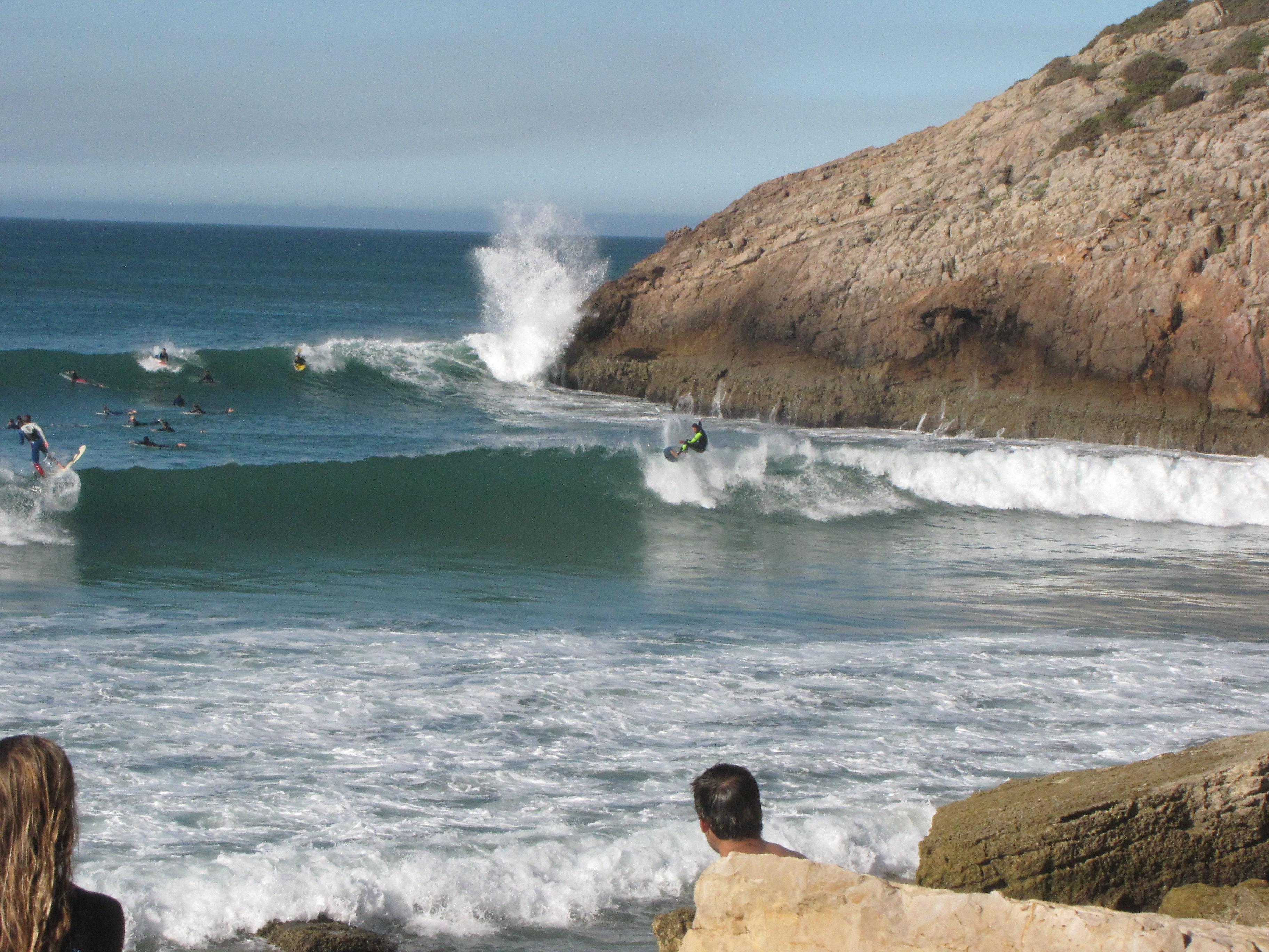 Longboard ripping Arrifana surf