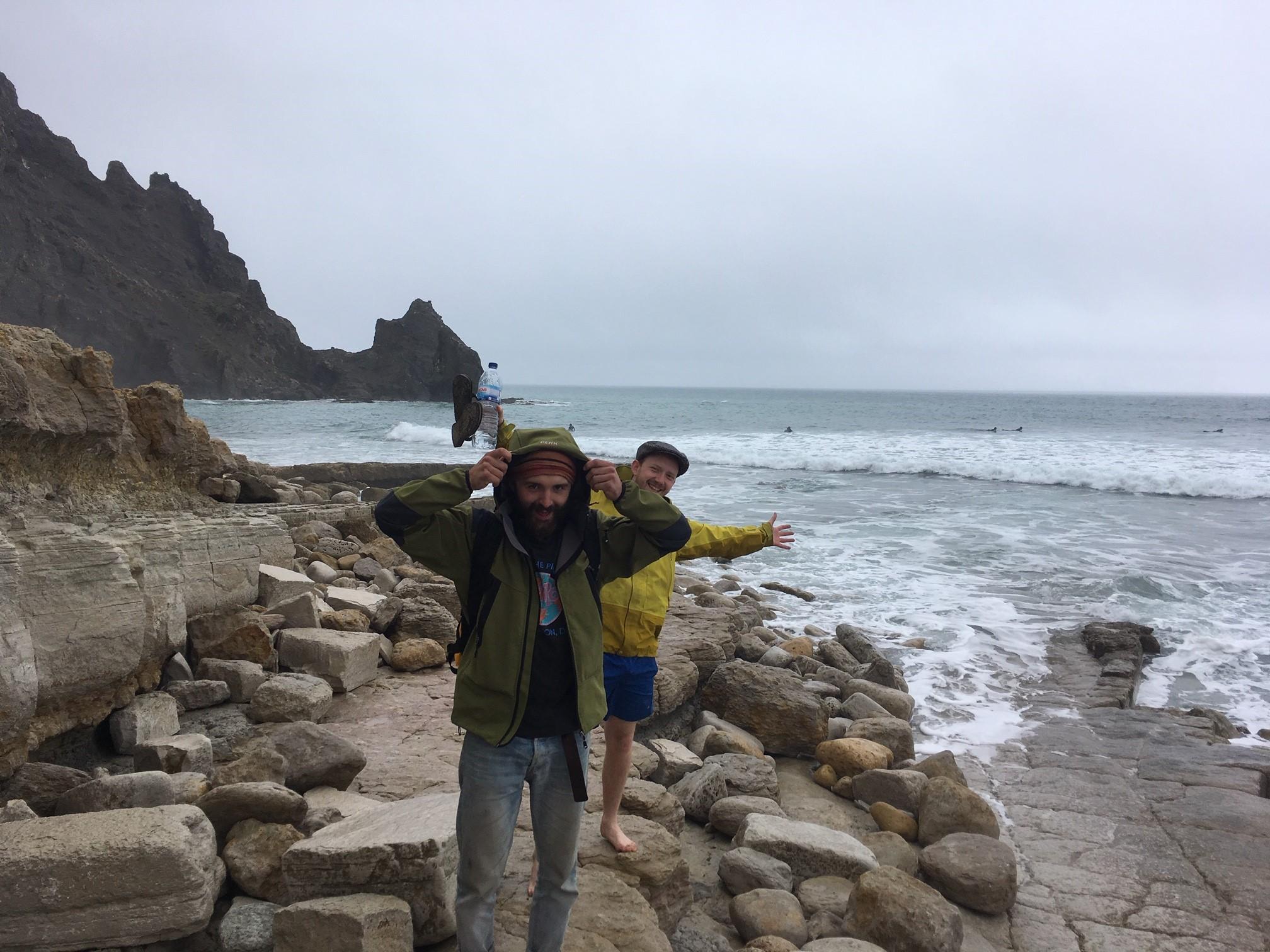 luz surf rain surfboys on the rocks