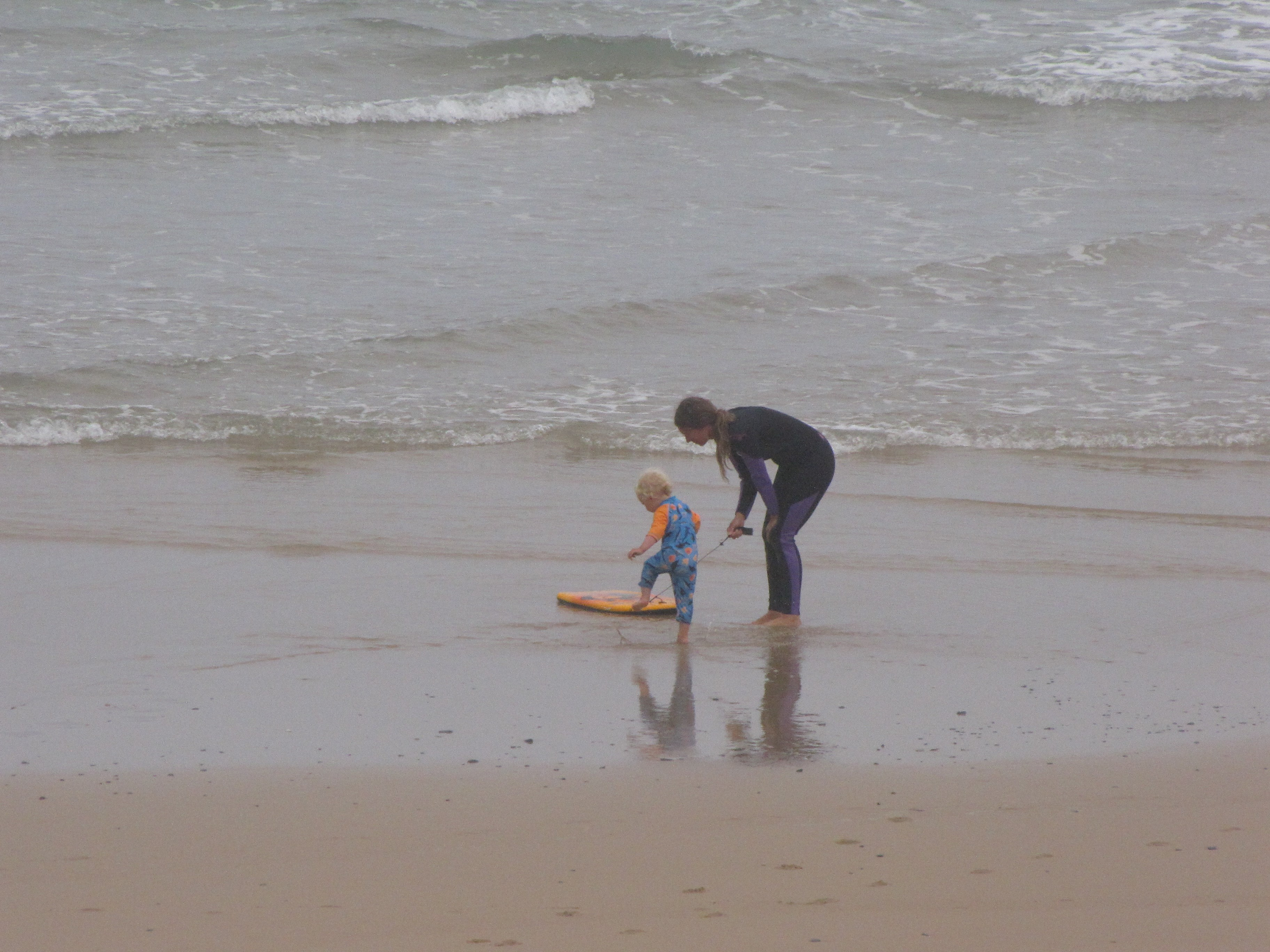meia praia starting young