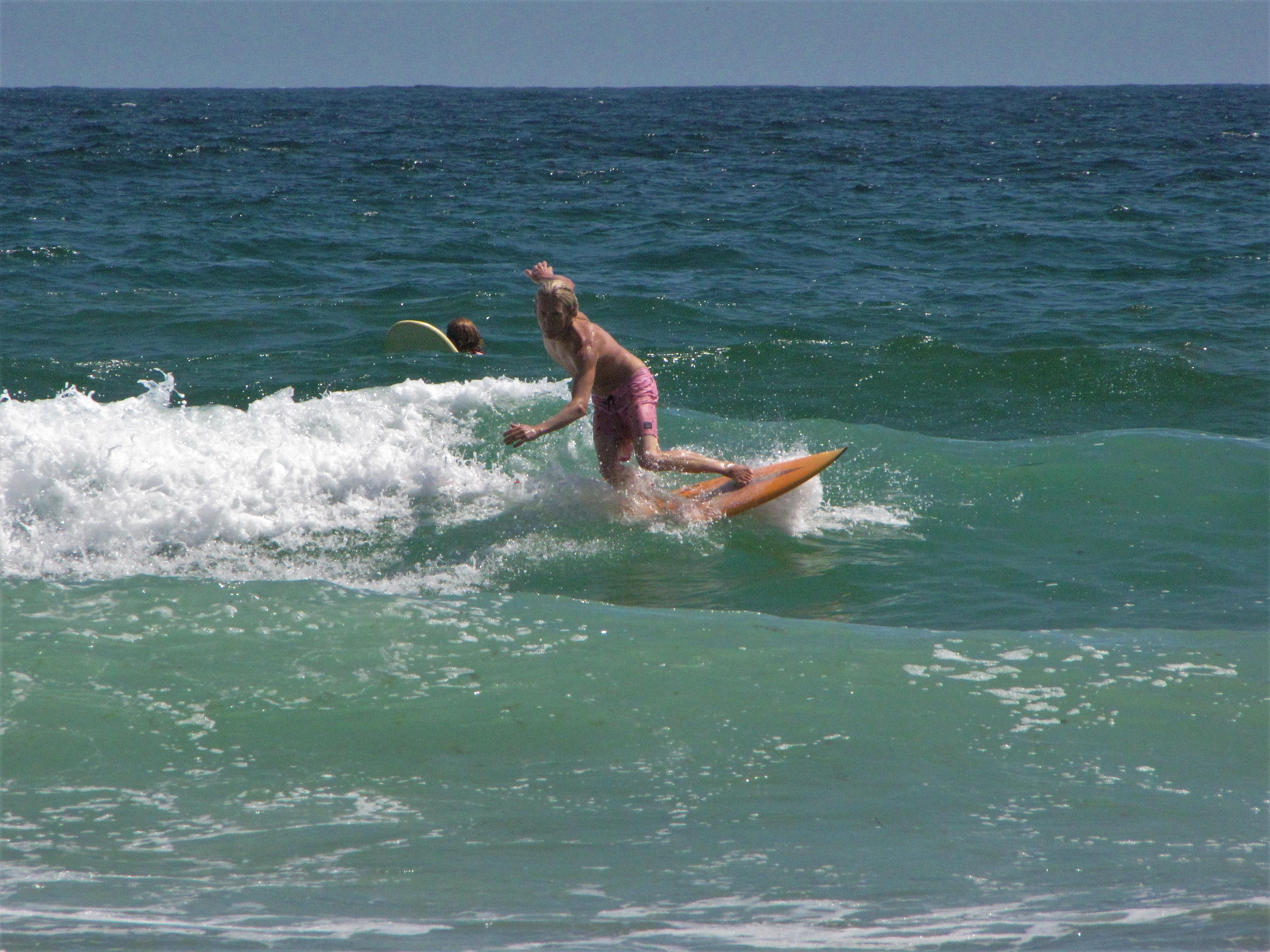 meia praia boardshort session