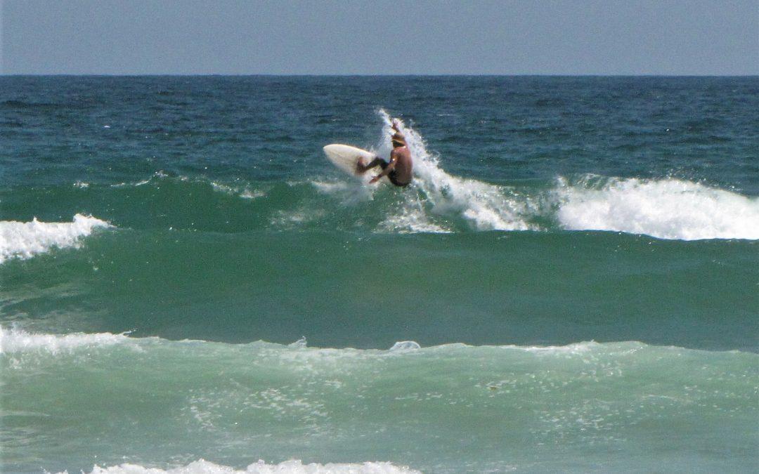 boardshort session at meia praia.