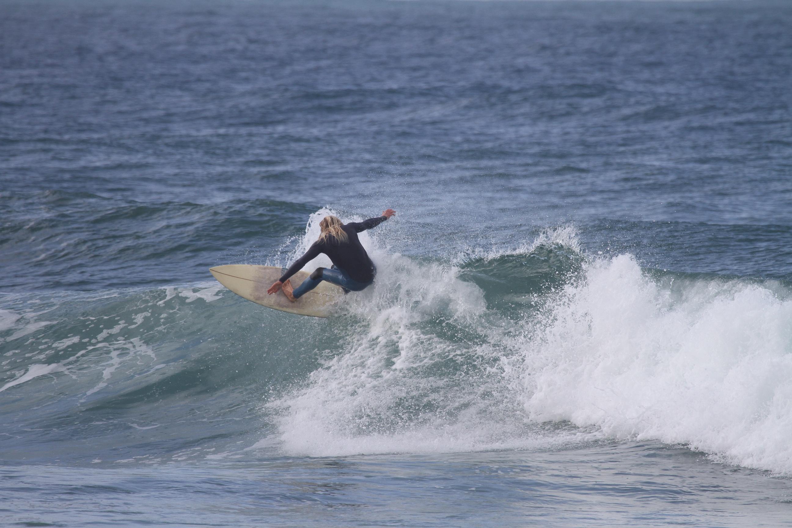 arrifana surfer turn