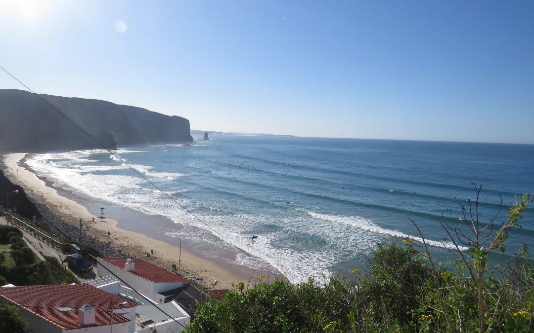 Resultado de imagen de Praia da Arrifana surf