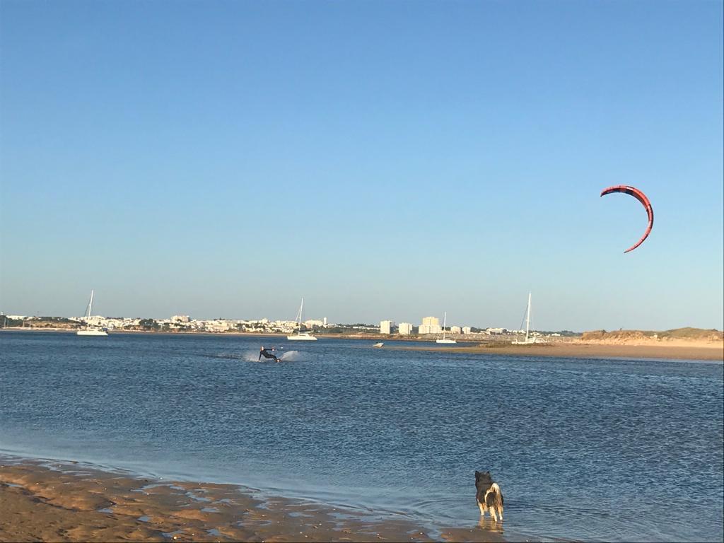 meia praia sunset kite