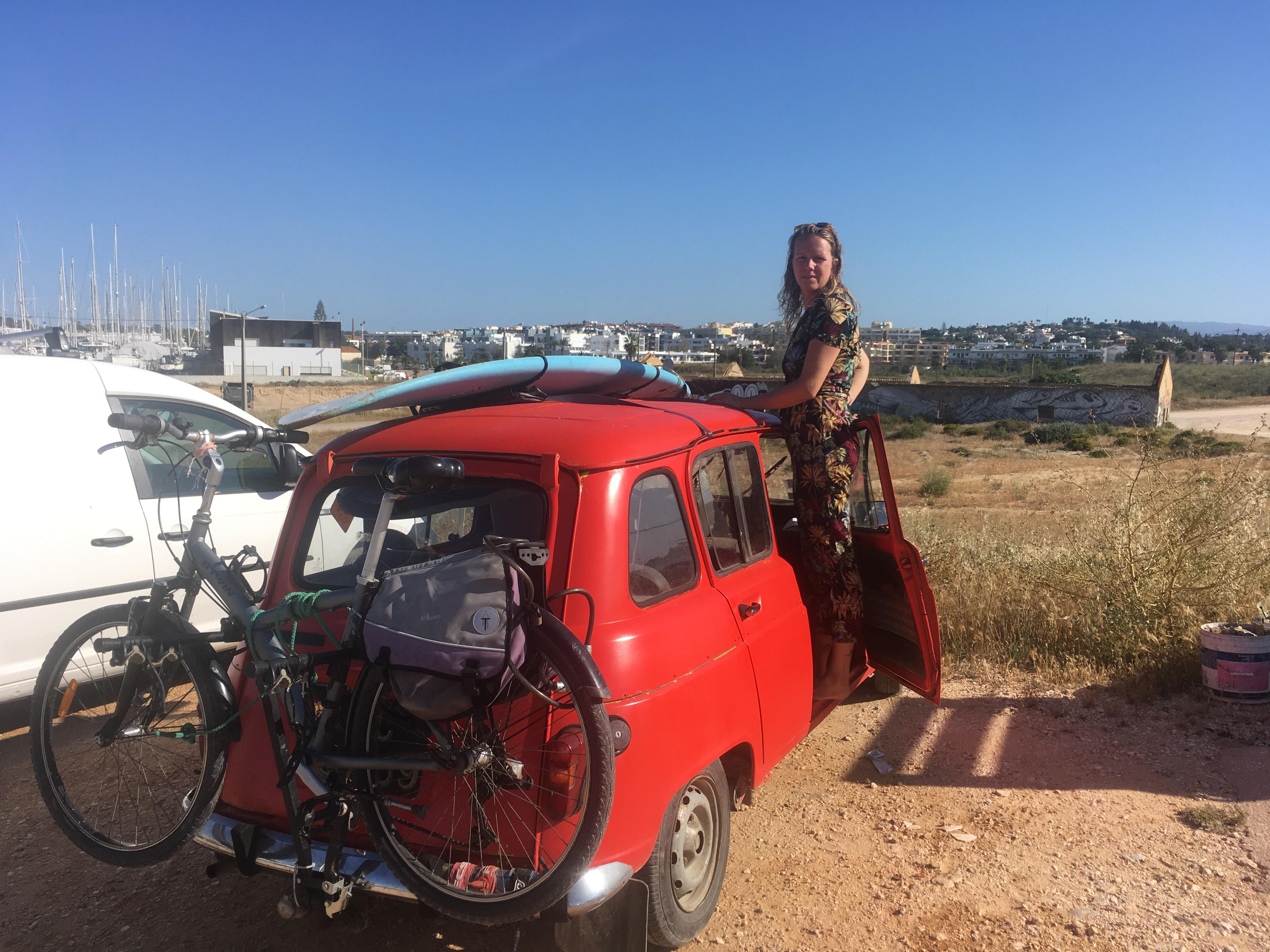 meia praia surf car