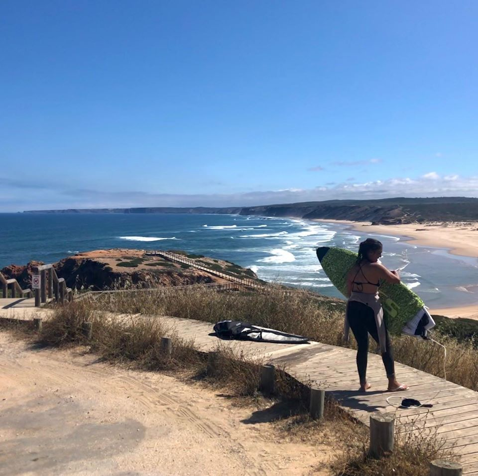 bordeira surf beach