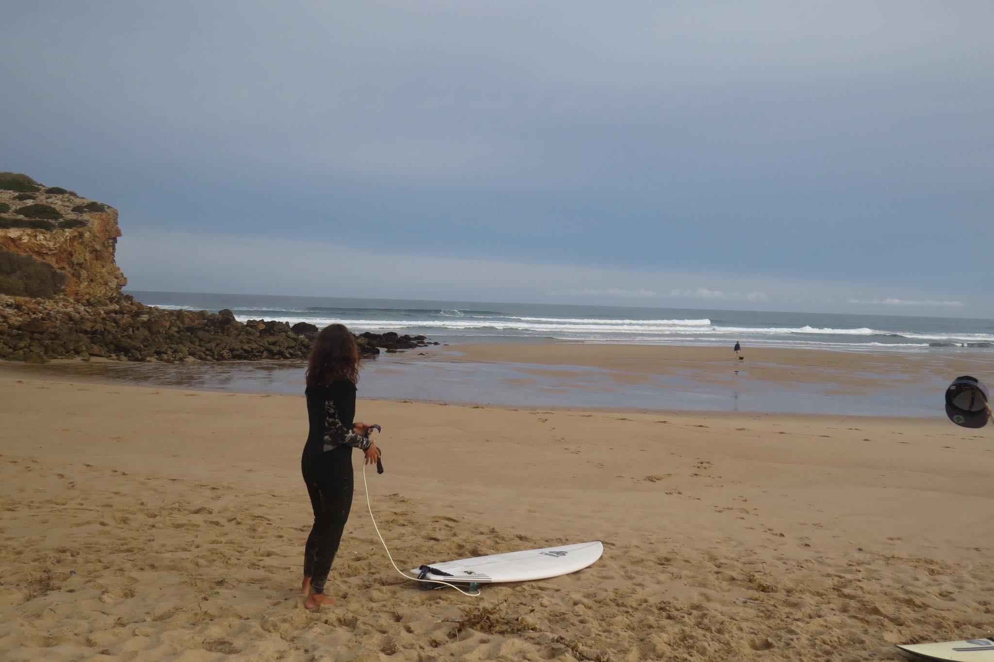 surfer bordeira beach