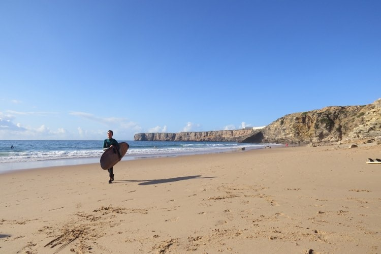 Small wave search in Sagres with the Girl squad.