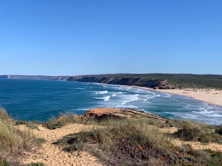 bordeira-surf-beach-surfguide-algarve