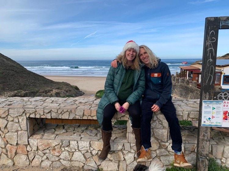 castelejo-christmas-surf-couple