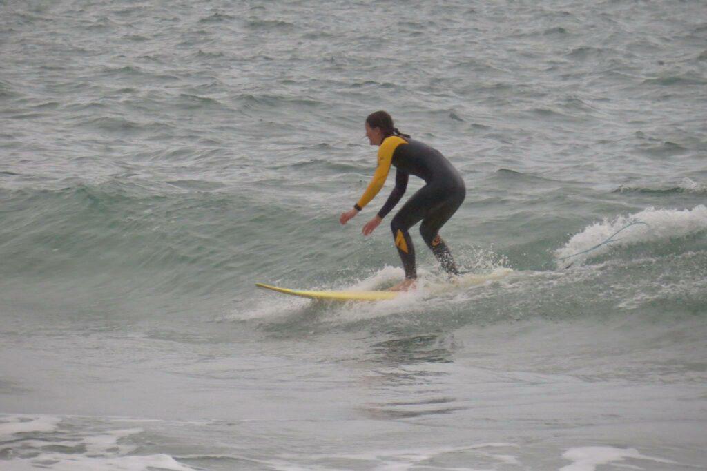 surfgirl-small-wave-beliche-sagres