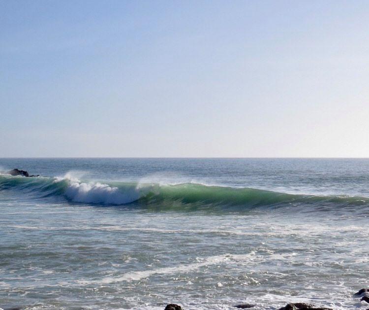 zavial-empty-wave-surfguide-algarve