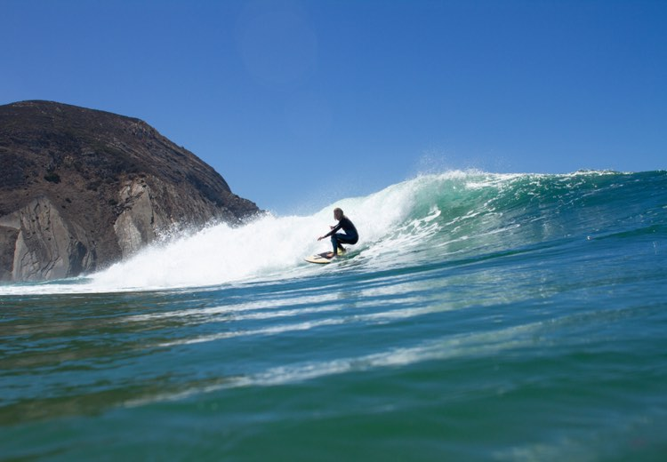 Celebrating spring with surf in Tonel
