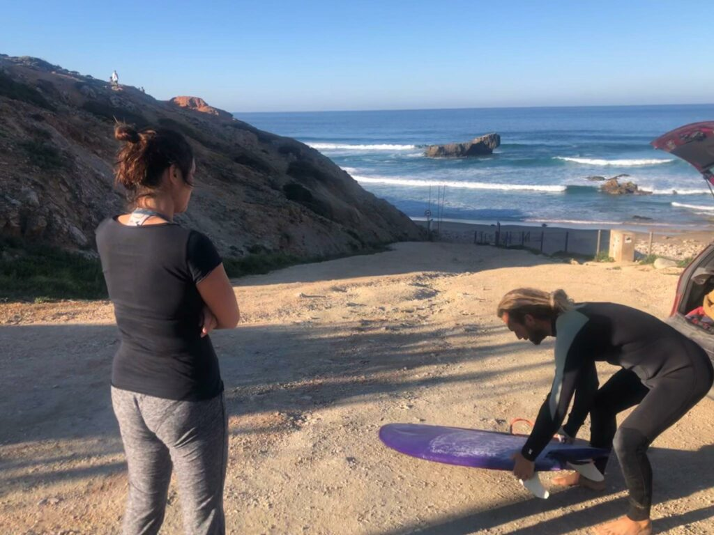tonel-and-the-shredding-kook-with-surfguide-algarve