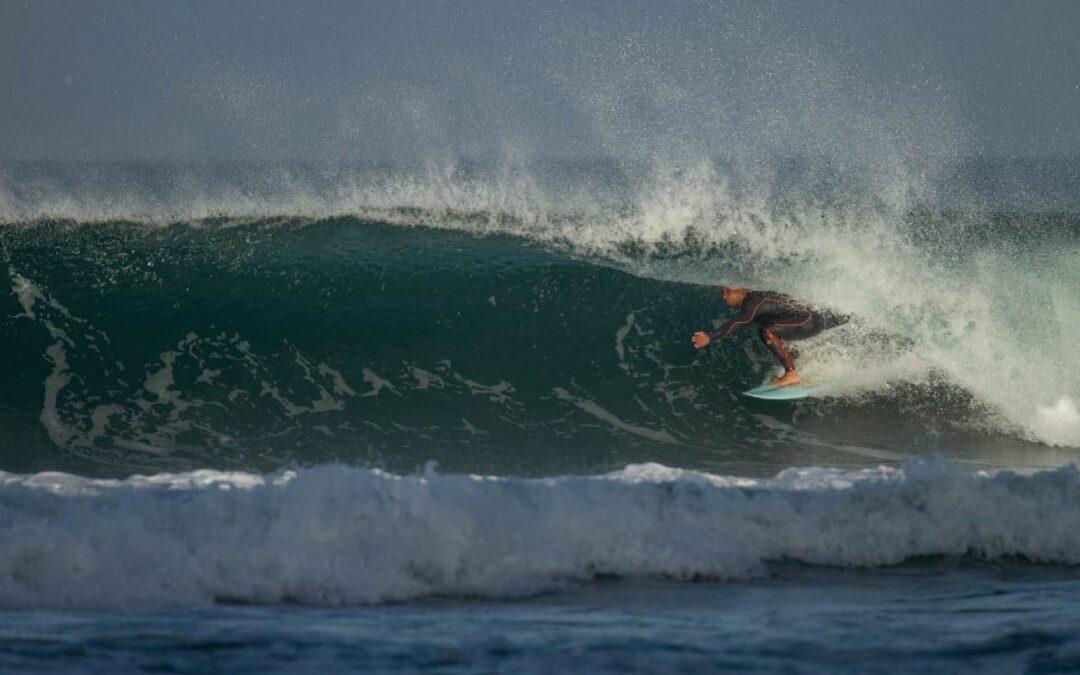 Sagres surf on fire at Tonel