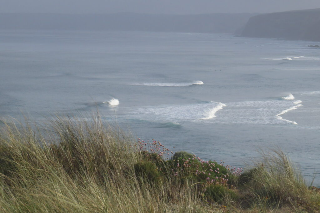 bordeira-offshore-small-waves-surfguide-mission