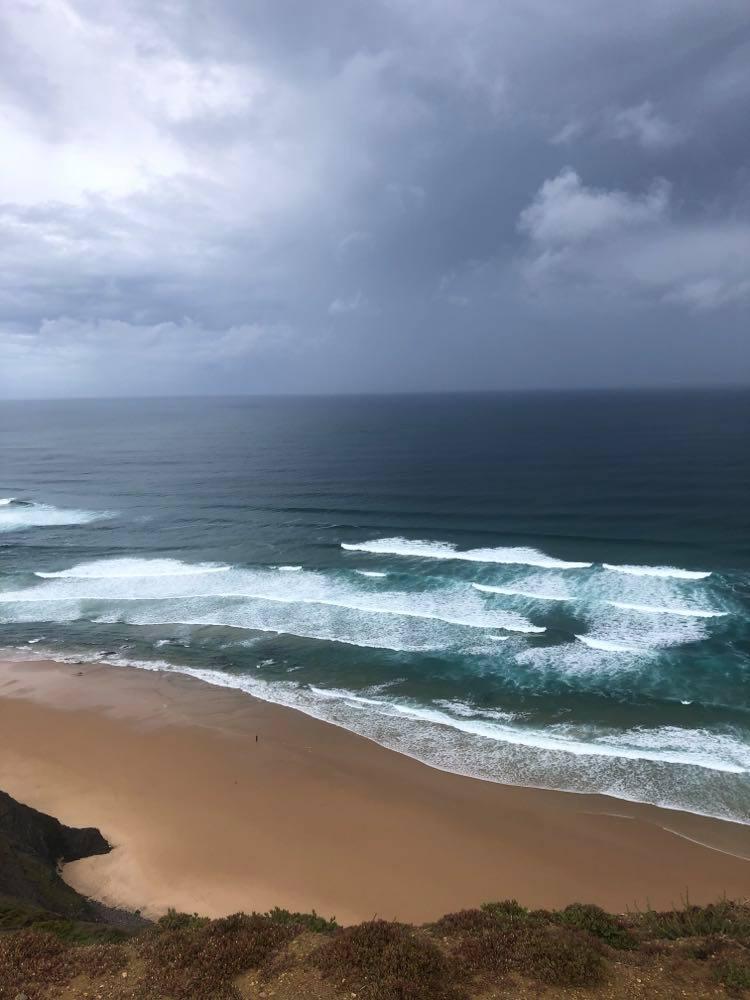castelejo-offshore-waves-surfguide-algarve