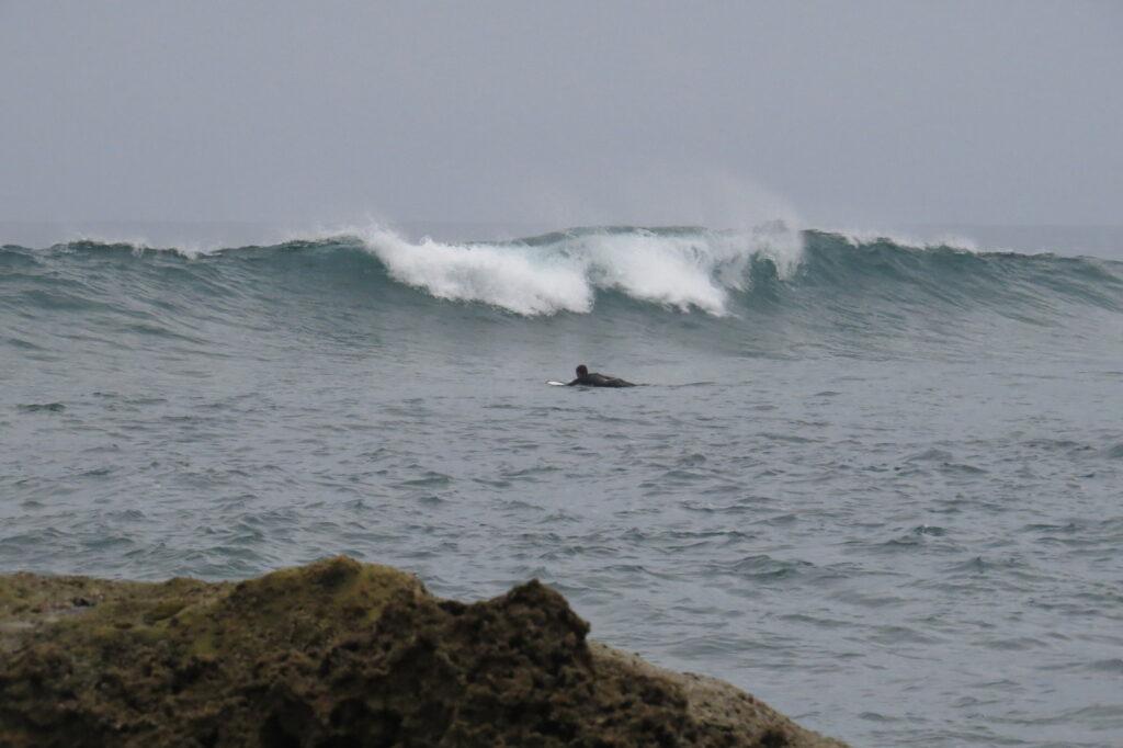 castelejo-paddle-out-in-channel-surfguide-algarve