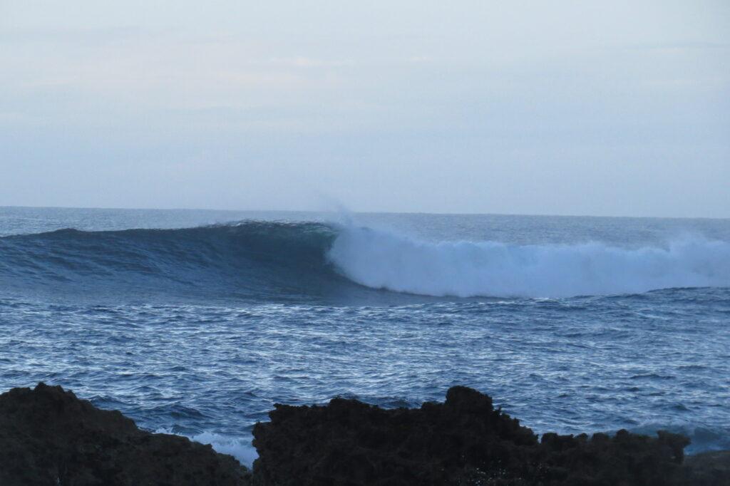 empty-wave-castelejo