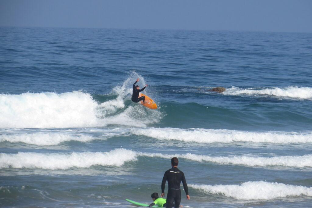 pro-surfer-cordoama-surfguide