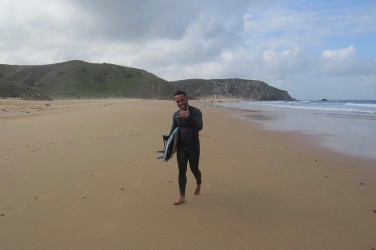 surfer amado surfguide amado stoked