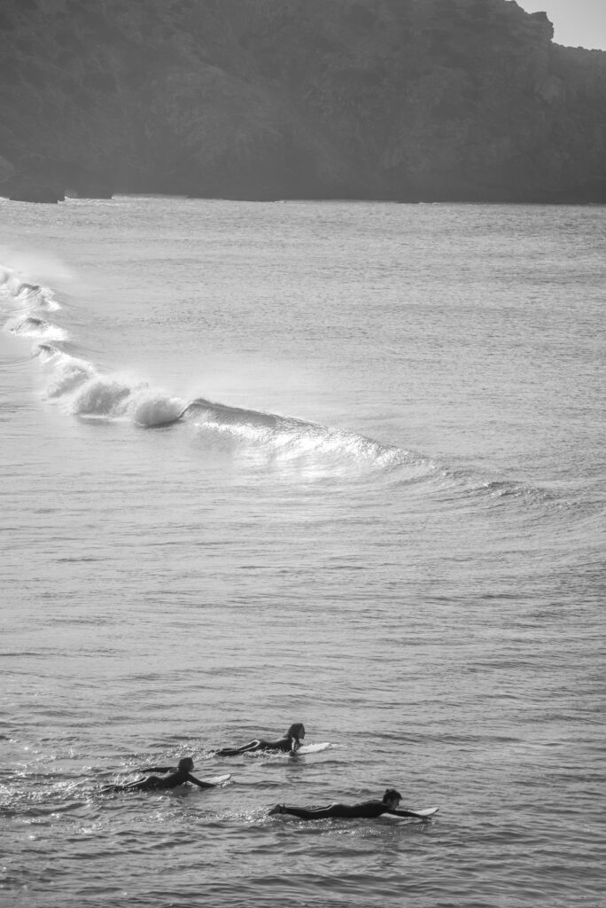 surfguide-algarve-surf-family-paddle-out-picture-massimo