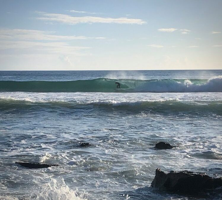 Zavial perfect offshore surfguide session