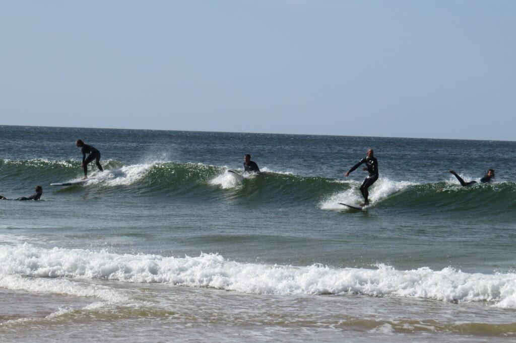 partywave-zavial-surfguide-algarve