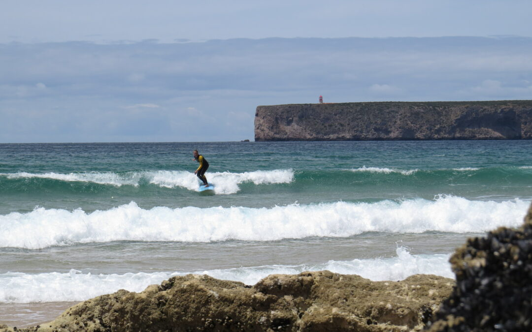 Small foamy surf with miss surguide Algarve in Tonel