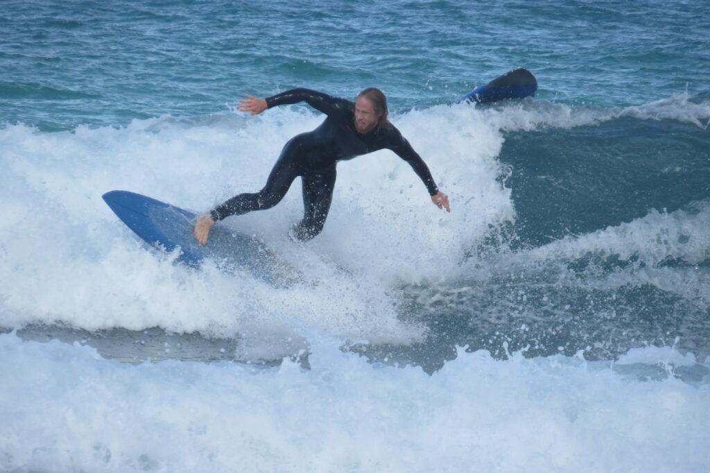 amado-foamclimb-surfer-surfguide-algarve