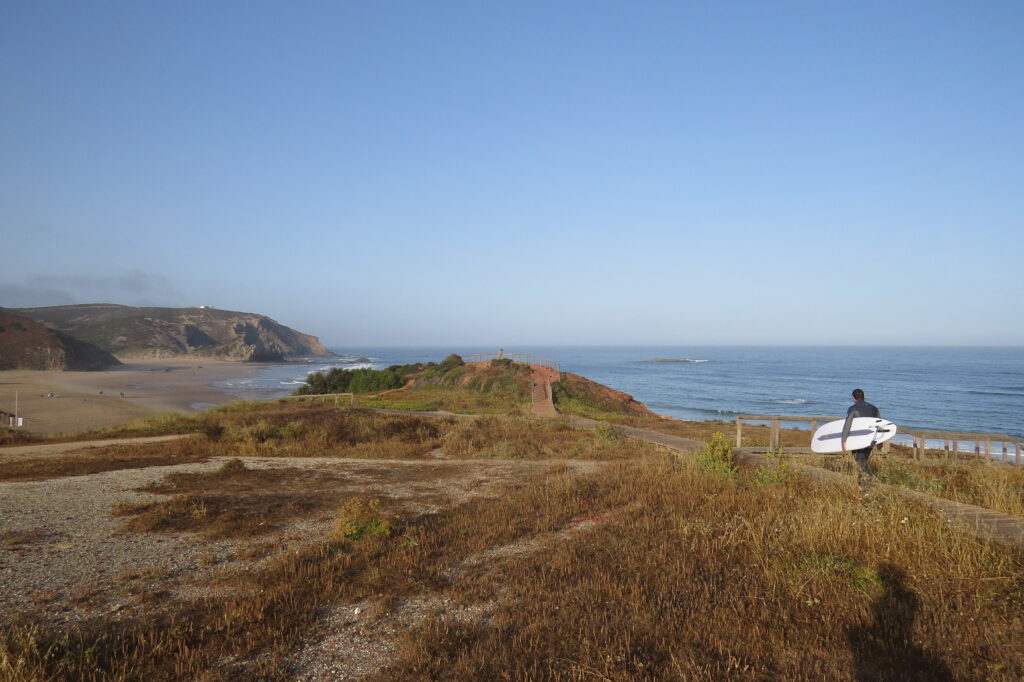 amado-surfbeach-surfguide-algarve-boardwalk