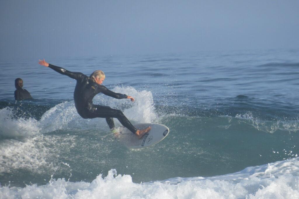 amado-surfer-summer-surfguide-algarve
