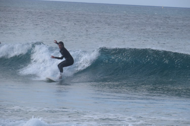 clean-small-left-wave-at-bordeira-surfguide-algarve
