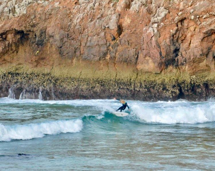 zavial-small-wave-surfguide-algarve