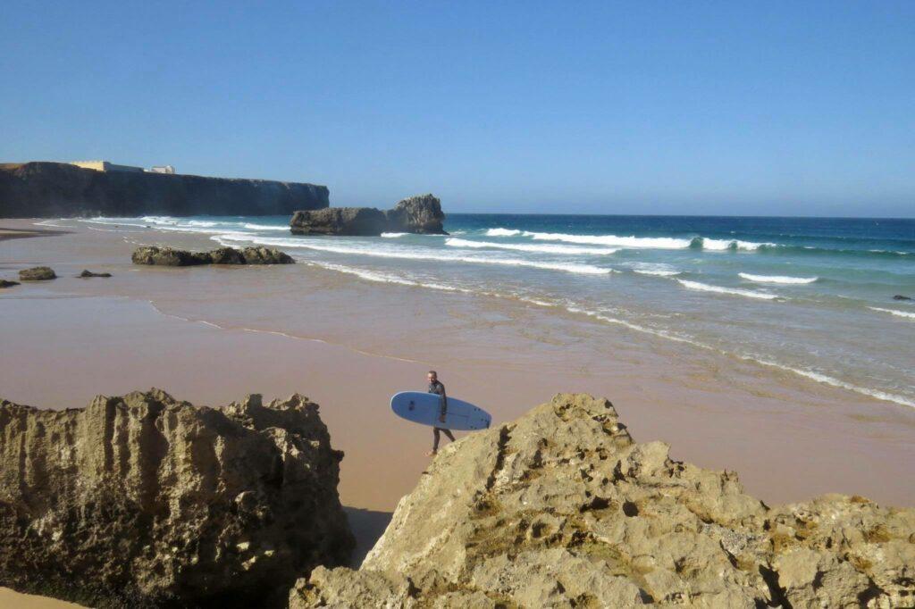 Beach-Tonel-Sagres-low-tide-surfguide-algarve