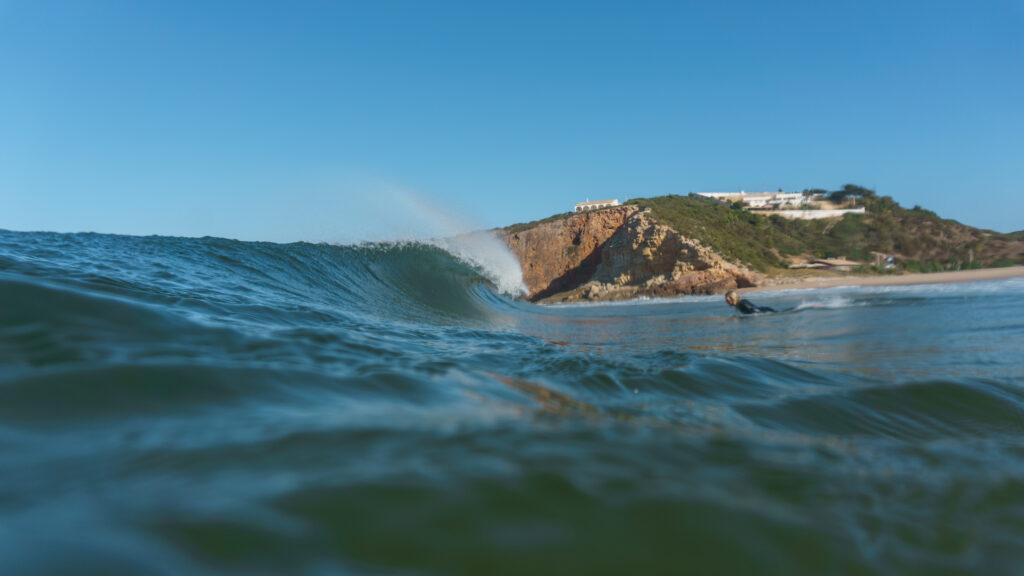 duckdive-surfguide-algarve-dream-wave-zavial-with-massimo