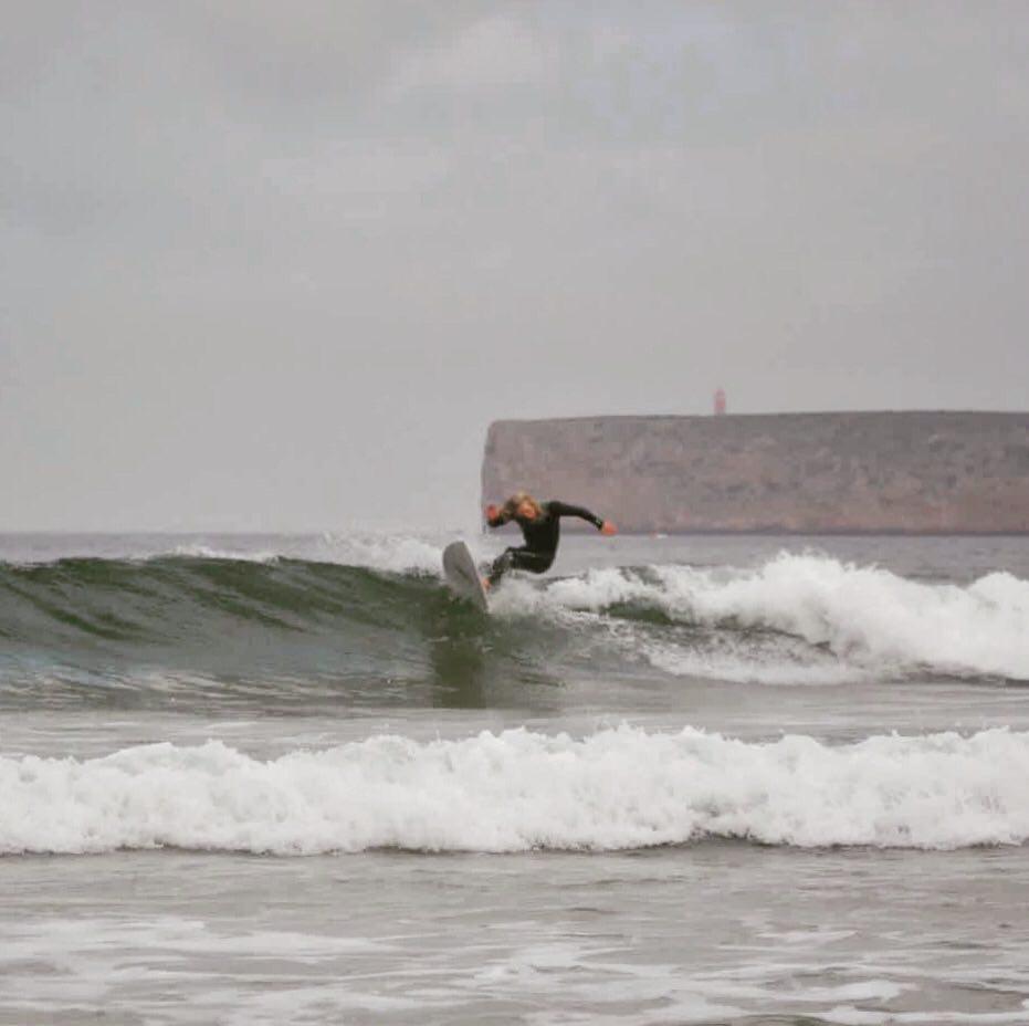 surfguide-algarve-surfing-tonel-