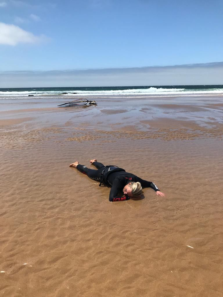 windsurf-tonel-sagres-surfguide-algarve-destroyed