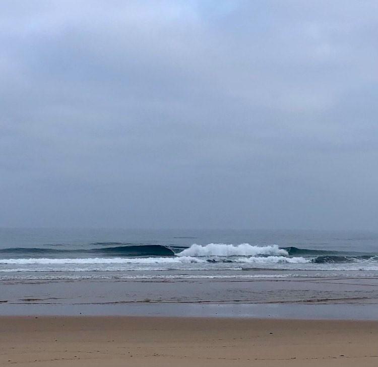 castelejo-empty-perfect-waves-surfguide-algarve-