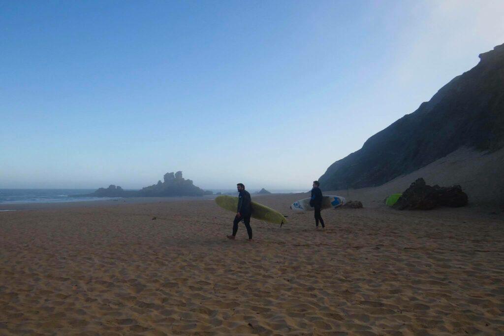 castelejo-surfing-beach-surfguide-algarve