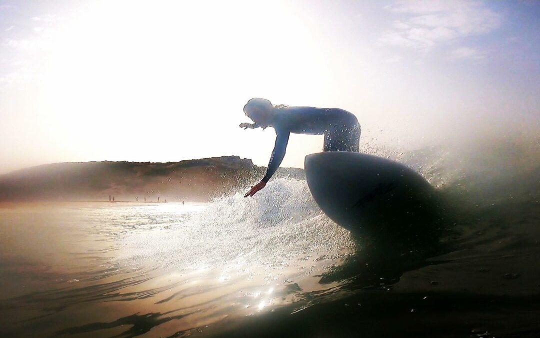 Empty waves at amado in summer, surfguide algarve trip